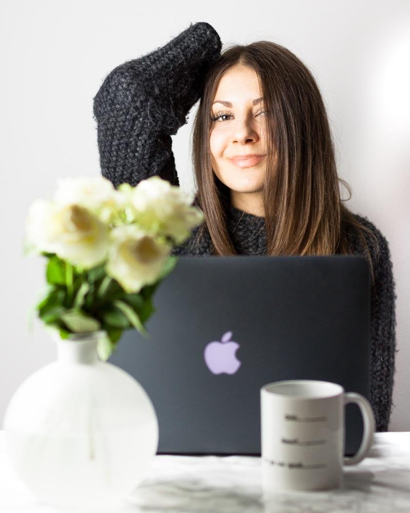 Arbeit, wenig Schlaf, Computer