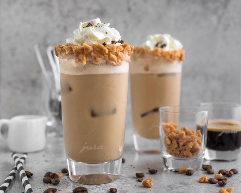 Jura Eiskaffee mit Schlag